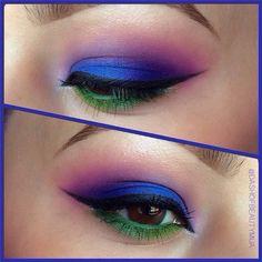 the 'peacock effect' eye shadow look