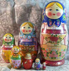 #MatryoshkaDolls   Russian Nesting Dolls