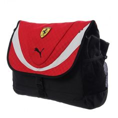 Lleva todos lados tus artículos de manera segura con la Mochila Ferrari Shoulder de Puma, cuenta con varios compartimentos con cierre y una correa ajustable para mayor comodidad.