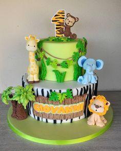 The video consists of 23 Christmas craft ideas. Jungle Birthday Cakes, Jungle Safari Cake, Jungle Theme Cakes, Safari Theme Birthday, Safari Cakes, Safari Party, Animal Birthday, First Birthday Cakes, 1st Birthday Parties