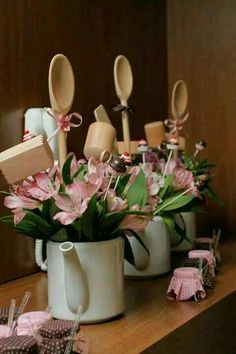 59 best Ideas for rustic bridal shower gifts center pieces Bridal Shower Centerpieces, Party Centerpieces, Decoration Plante, Decoration Table, Kitchen Shower Decorations, Bridal Shower Rustic, Bridal Shower Gifts, Kitchen Bridal Showers, Deco Floral