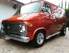 Custom VANS natural BABES & other bad ass transportation. Old School Vans, C10 Trucks, Cool Vans, Van Living, Custom Vans, Vintage Trucks, Van Life, Chevrolet, Chevy Vans
