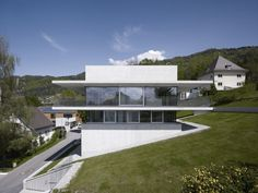 House by the Lake / Marte.Marte Architekten #artchitecture #residence #house #btl #buytolet pinned by www.btl-direct.com the free buytolet mortgage search engine for UK BTL deals instant quotes online