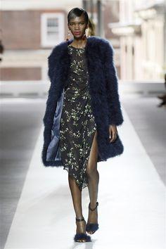 Topshop Unique SS16 #LFW http://www.couturesquemag.com/2015/09/topshop-unique-review-spring-16.html