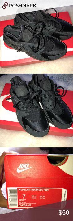 Nike Air Huaraches Women's Black Nike Air Huaraches Women's Black NEVER WORN Nike Shoes Sneakers