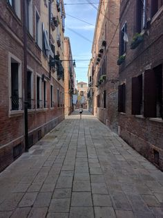 ITAP of the quiet lesser-known streets of Venice http://ift.tt/2f3h6x2