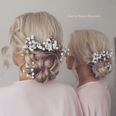Soft romantic hair ups __