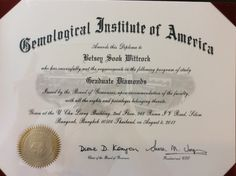 Graduate Diamonds Diploma, earned from Gemological Institute of America.  #gia #gemologicalinstituteofamerica #diamant #diamanthandler #diamantring #diamanthalskæde #diamantsmykke #betseysook