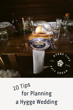 10 Tips for Planning a Hygge Wedding Looking for ideas on how to achieve the perfect chic and cozy hygge style wedding? Find out our top 10 tips from a hygge bride who planned the ultimate mountain hygge wedding. #hygge #hyggelife #hyggestyle #wedding #weddingtips #weddingplanning