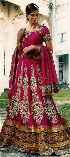 INDIAN BRIDAL WEAR - This #lehnega is available at flat 10% off + free shipping.  #Onlineshopping #IndianWedding #embroidery