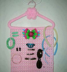 Realy need to make Crochet Girls, Love Crochet, Crochet For Kids, Hand Crochet, Crochet Baby, Hair Accessories Holder, Crochet Hair Accessories, Crochet Hair Styles, Hair Bow Storage