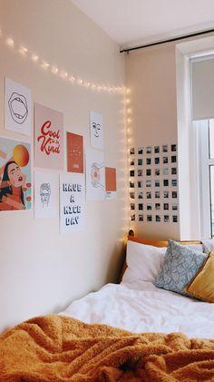 College Bedroom Decor, College Dorm Rooms, Room Ideas Bedroom, Teen Bedroom, Bedroom Inspo, Bedrooms, Dorm Room Designs, Uni Room, Cute Dorm Rooms