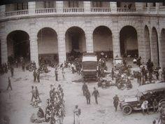 Arresto de Madero en Palcio Nacional. Pancho Villa, Cristero War, Mexican Army, Mexican Revolution, Street View, Outdoor, Times, Vintage, Portrait