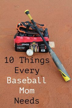 If you have a child in sports, you know that there are essentials you have to bring to every game! Check out these 10 Things Every Baseball Mom Needs. Source by foodwinesun and me outfits Baseball Mom Quotes, Baseball Videos, Baseball Tips, Softball Mom, Baseball Games, Baseball Stuff, Uk Baseball, Baseball Boyfriend, Baseball Socks