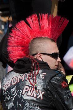 Punk in Camden Town, London Punk Guys, 80s Punk, Punk Mohawk, Punk Subculture, Estilo Punk Rock, Arte Punk, British Punk, Punk Rock Fashion, Riot Grrrl