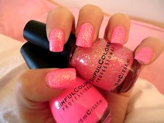 Super pretty pink sparkly nails!