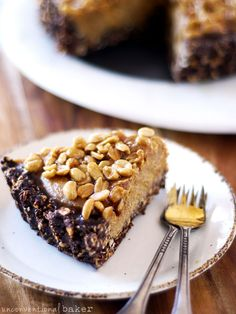 Caramelized Peanut and Chocolate Pie #glutenfree #grainfree #raw