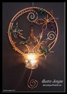 Candle holder / Suncatcher wire wrapped door illustrisdesigns