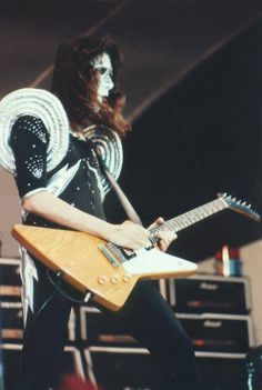 Ace with a Gibson Explorer!