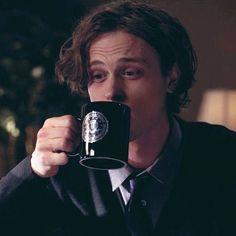 I got Spencer Reid... let me psychoanalyze you as a criminal minds character
