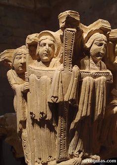 Ángeles portando la cruz, procedente del Monasterio de Santa María la Real de Aguilar de Campoo