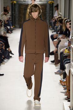 Valentino-Spring-Summer-2016-Menswear-Collection-Paris-Fashion-Week-019