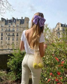 Gossip Girl, Moda Paris, Most Beautiful Images, Jeanne, Unique Hairstyles, Photo Dump, Instagram Story, Capri Pants, Summer Hair