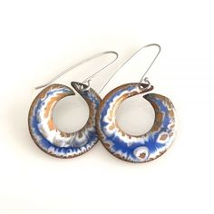 A beautiful pair of crackled open washers!