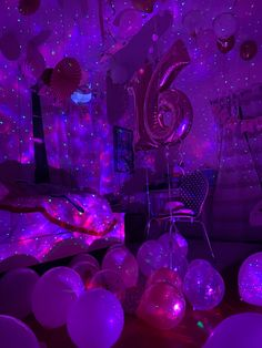 14th Birthday Party Ideas, Neon Birthday, Birthday Parties, 15th Birthday, Sweet 16 Party Decorations, Birthday Party Decorations, Neon Party, Birthdays, Room