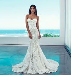 Beautiful Wedding Dresses Would Look Glamorous On All Sorts Of Brides-To-Be Wedding dresses gown always gets most of the attention on the wedding party. So it is very important to choose your wedding dress with. Wedding Dresses 2018, Bridal Dresses, 2017 Wedding, Dress Wedding, Mermaid Bridesmaid Dresses, Dress Vestidos, Perfect Wedding Dress, Dream Dress, Wedding Inspiration