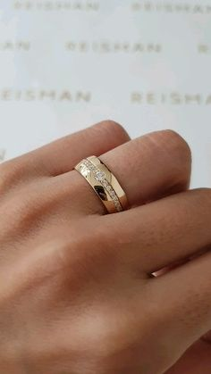 Classic Wedding Rings, Wedding Ring Styles, Beautiful Wedding Rings, Men Wedding Rings, Engagement Rings Couple, Engagement Ring Cuts, Vintage Engagement Rings, Mens Gold Diamond Rings, Diamond Wedding Bands