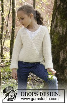 Titania jacket for girls by DROPS Design. Free knitting pattern