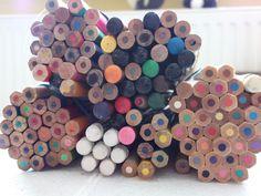 Dag 5. Achterkant - de geplaatste foto 5. mijn arsenaal aan kleurpotloden...