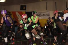Bela Lowblowsi and Skate Edge look for River City Rollers to clear. (2010)