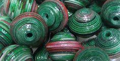 """Perles de Papier Recyclé """"Houx"""" Création Artisanale, Modèles Uniques."""