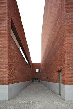 Alvaro Siza > Auditorium Theatre of Llinars del Vallès   HIC Arquitectura