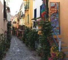 Colliore; Rue des Artists...