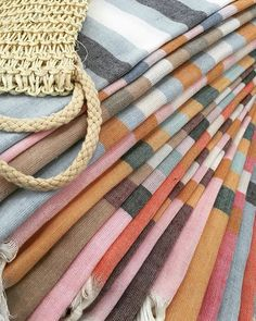 Choose your favorite colors of our FETIYE Turkish towels made of cotton & bamboo! They don't take any space or weight in a bag, suitcase, or in your bathroom closet. Ideal for pool, sport, spa, beach ... Free shipment to Geneva  for early March ⚡️⚡️ Contact me for any inquiry & shipment.  #turkishtowels #beach #towels #spa #sport #pool #pestemaltowels #peshtemal #pestemal #atmosphereturque #fouta #shoponline #summer