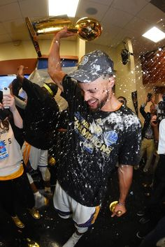 Stephen Curry of the Golden State Warriors celebrates in the locker room after winning the NBA Championship in Game Five of the 2017 NBA Finals. Nba Wallpapers Stephen Curry, Stephen Curry Wallpaper, Stephen Curry Basketball, Nba Stephen Curry, Stefan Curry, 2017 Nba Finals, Wardell Stephen Curry, 2018 Nba Champions, Stephen Curry Pictures