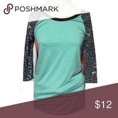 •Leopard Sleeve Top• Fun too that is 3/4 sleeve top. Does have the start of small pilling going on but still has tons of life left . Pair with denim to complete this stylish look. Rue 21 Tops Tees - Long Sleeve