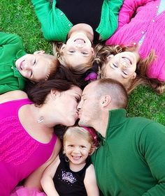 how they got four kids perfectly still ... I will never know