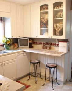 Small Country Kitchens | Small country kitchen, maximizing every ounce of space!, This kitchen ...