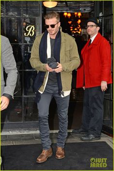 victoria beckham stayed in london while david attended super bowl 2014 01