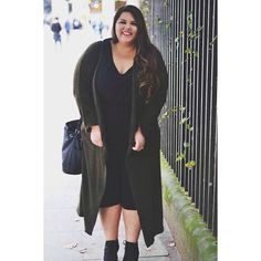 This gorgeous long length cardigan from @elvifashion is a perfect option to transition to autumn weather for when it's a little too warm to wear a coat but not warm enough to go out without wearing outerwear! Plus military green is everything  #elvifashion #plussizefashion