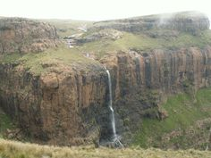 tugela falls-The Perfect South African Road Trip Visit South Africa, Africa Travel, Travel Images, Hiking Trails, National Parks, Around The Worlds, Adventure, Padi Diving, Scuba Diving