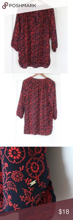 "Tommy Hilfiger Top Red Black Floral Blouse Tommy Hilfiger Top Red Black Floral Blouse Split V-Neck Tunic Shirt 3/4 Sleeve Slightly sheer Great Condition! Clean- no stains, snags, or tears noted. Pics show accuracy of condition! From a pet & smoke free home  Measurements (approx):  length 27"" pit-to-pit 23"" waist 46"" Tommy Hilfiger Tops Blouses"