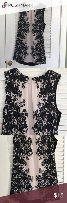 Promise   Cream & Black Flowers Tunic   Size S-M Cream & Black Flowers design Tunic   By Promiss   Size S-M Tops Tunics