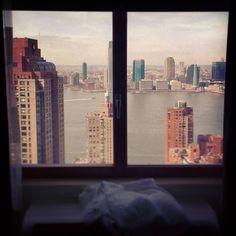 From here the garden state doesn't look so green.  #nyc #newyork #newyorkcity #financialdistrict #downtown #nj #newjersey #gardenstate #hudsonriver #skyline #skyrise #skyscraper #architecture #exterior #windowviews #hotelviews #horizon #metropolis #travel #iloveny