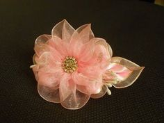 Цветок из органзы МК/ DIY Flower from organza ribbon/ Organza Fita da fl. Ribbon Art, Diy Ribbon, Fabric Ribbon, Ribbon Crafts, Flower Crafts, Organza Ribbon, Kanzashi Tutorial, Ribbon Flower Tutorial, Nylon Flowers