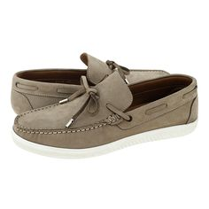 Morwell - GK Uomo Men's loafers made of nubuck with leather lining and synthetic outsole. Available in Blue, Tan and Tobacco color. Mens Loafer Socks, Loafers With Socks, Mens Loafers Shoes, Men S Shoes, Your Shoes, Loafer Shoes, Black Leather Shoes, Black Shoes, Velcro Shoes